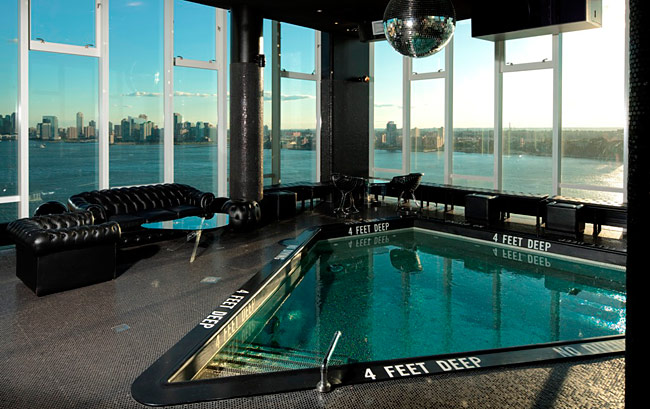 stunning_luxury_hotels_in_nyc_that_prove_you_need_to_treat_yourself_14