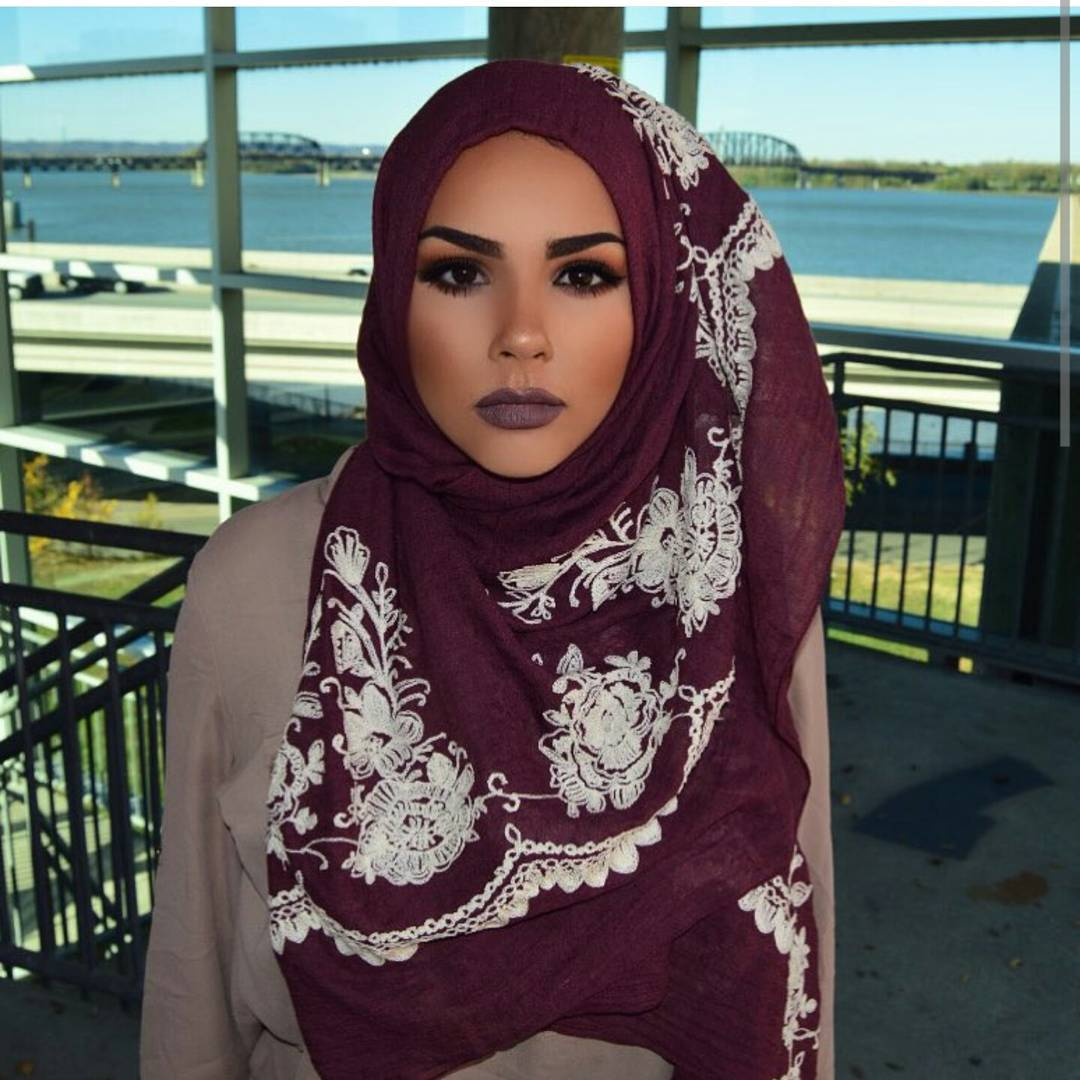 unbelievably_beautiful_women_wearing_hijabs_on_ig_09