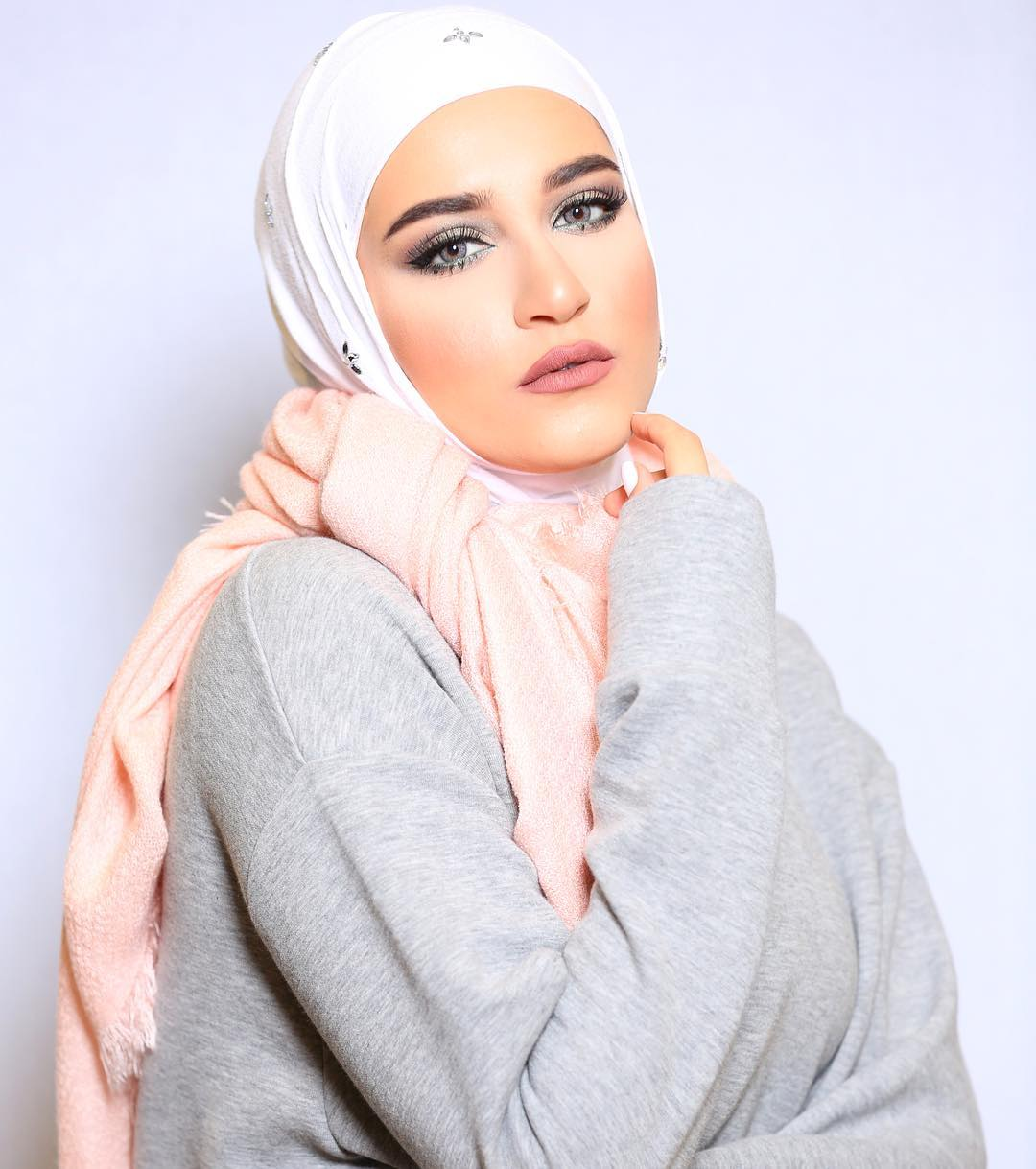 unbelievably_beautiful_women_wearing_hijabs_on_ig_11