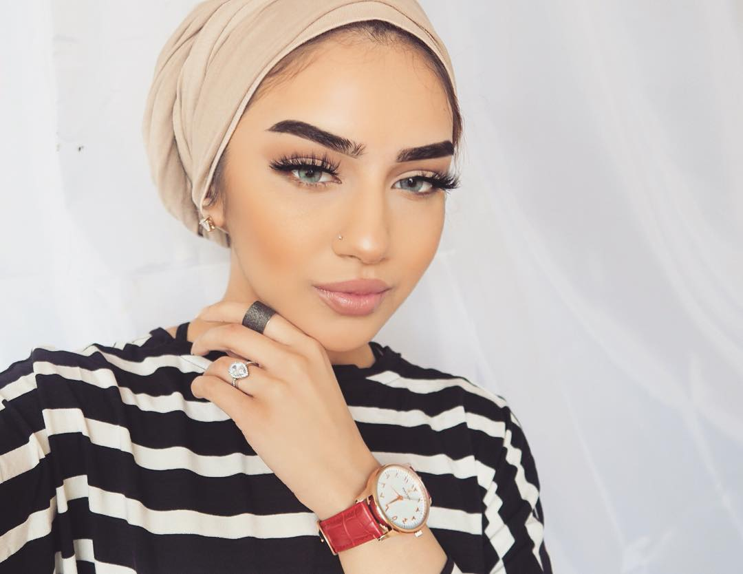 unbelievably_beautiful_women_wearing_hijabs_on_ig_13