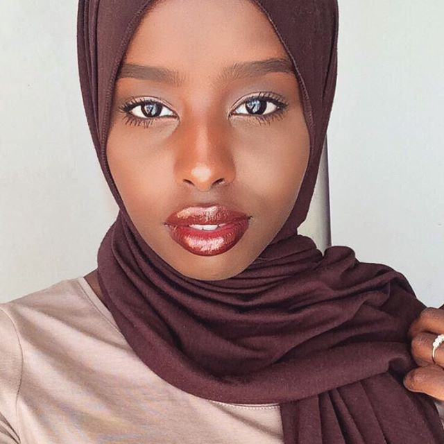 unbelievably_beautiful_women_wearing_hijabs_on_ig_15