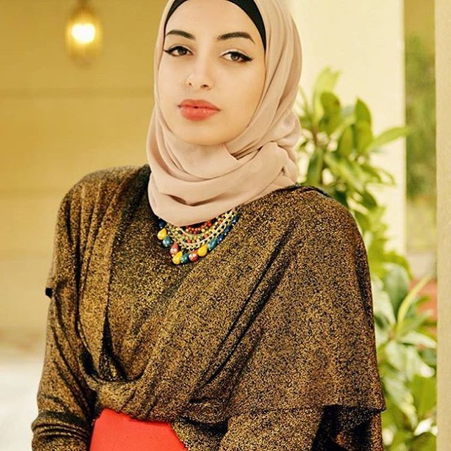 unbelievably_beautiful_women_wearing_hijabs_on_ig_23