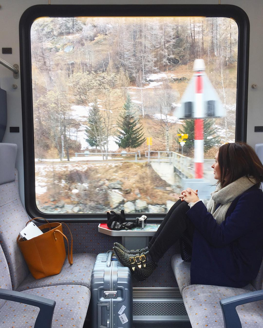 amazing-and-adventurous-female-travelers-you-need-to-follow-on-instagram-or-wanderlust-29