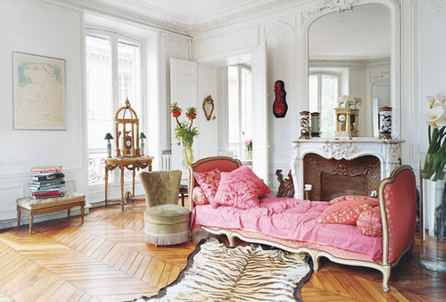 chic-parisian-apartments-that-will-give-you-the-ultimate-design-inspiraton-10