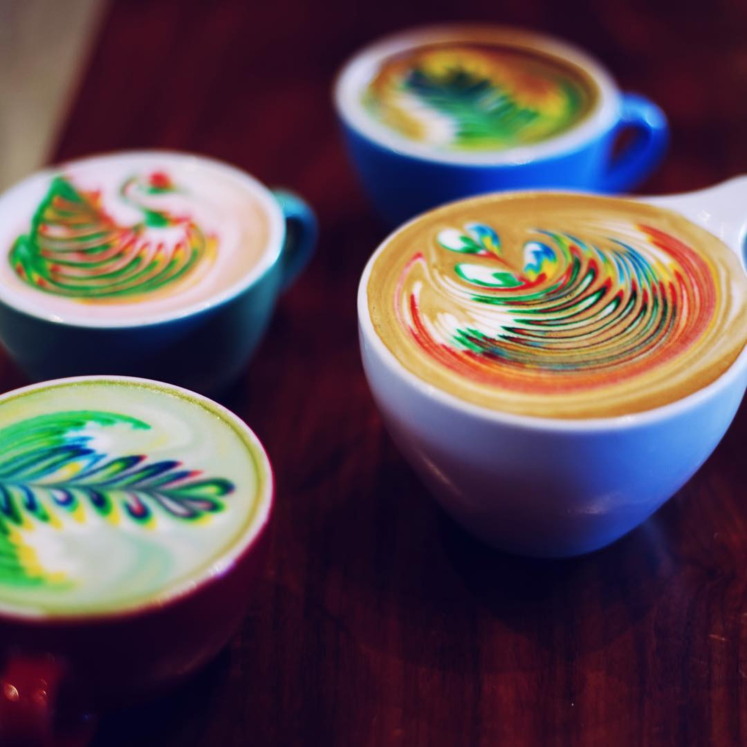 rainbow-coffee-is-the-new-hypnotizing-trend-in-barista-art-you-have-to-get-your-hands-on-07