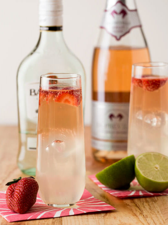 beautiful-big-batch-cocktails-that-are-sure-to-be-crowd-pleasers-02