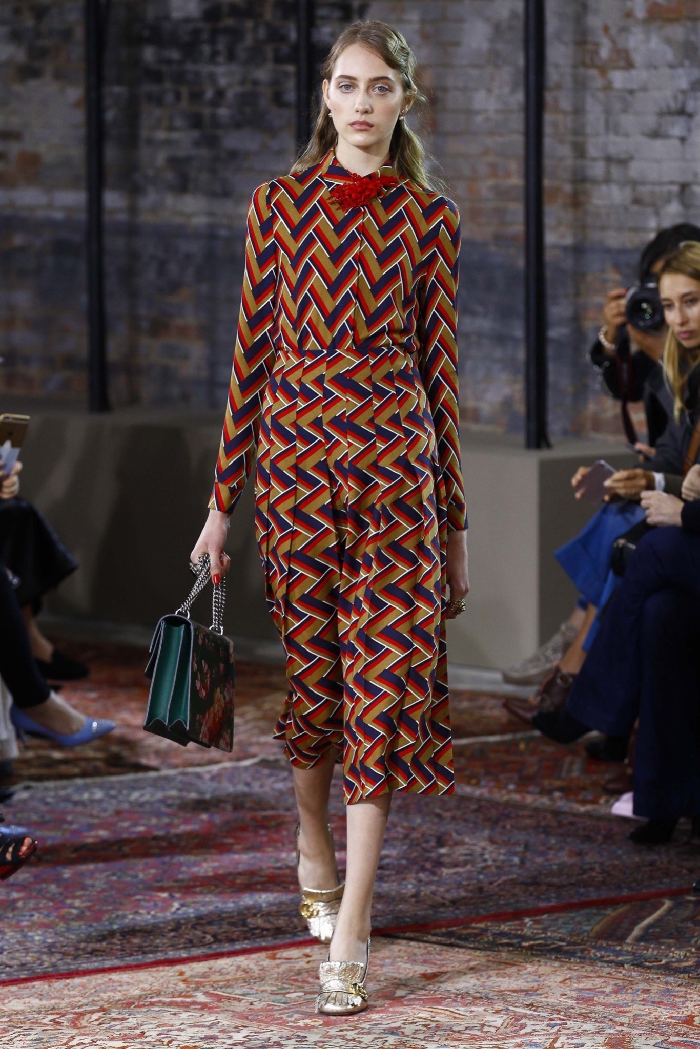 best-looks-of-the-gucci-cruise-collection-2016-00