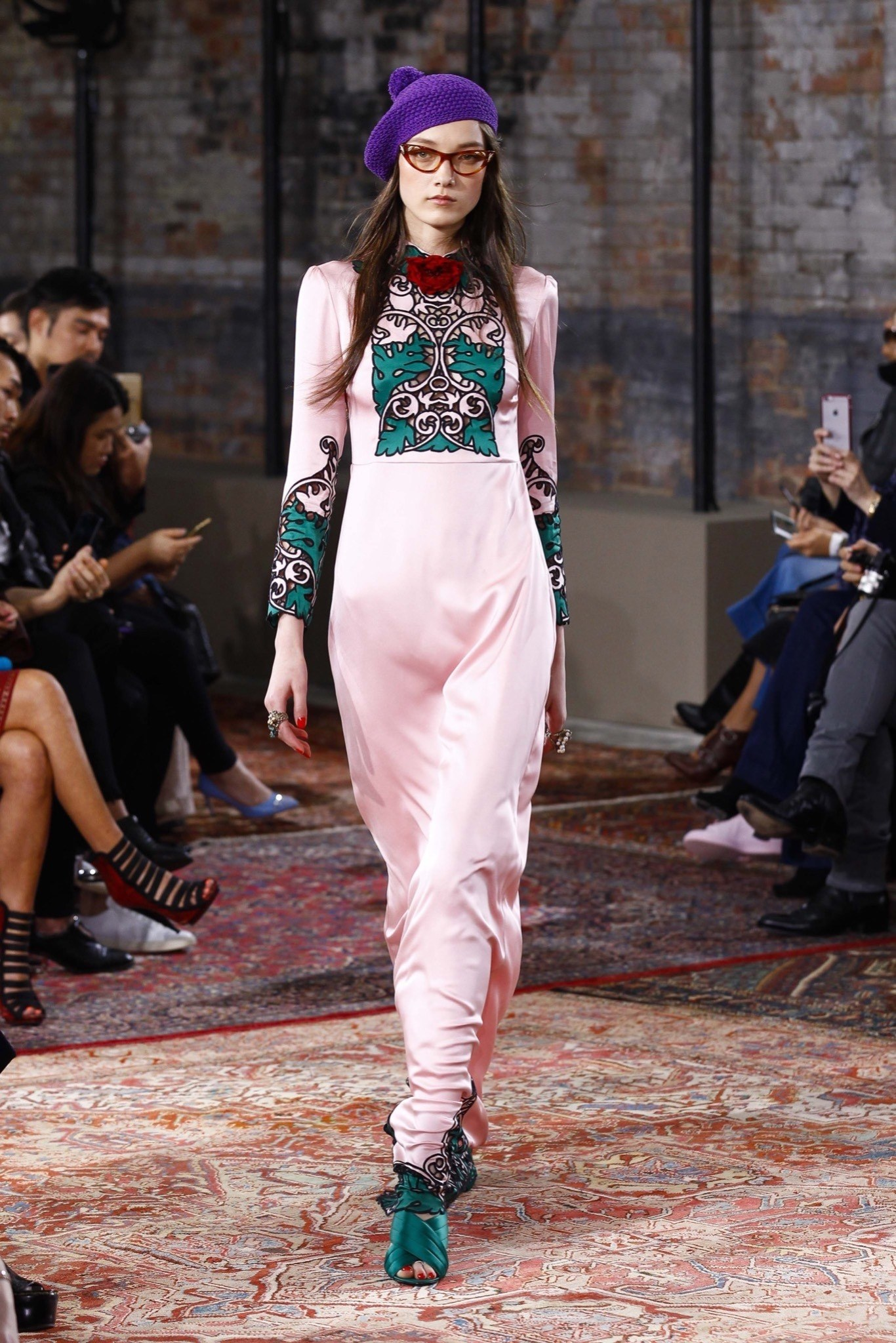best-looks-of-the-gucci-cruise-collection-2016-07