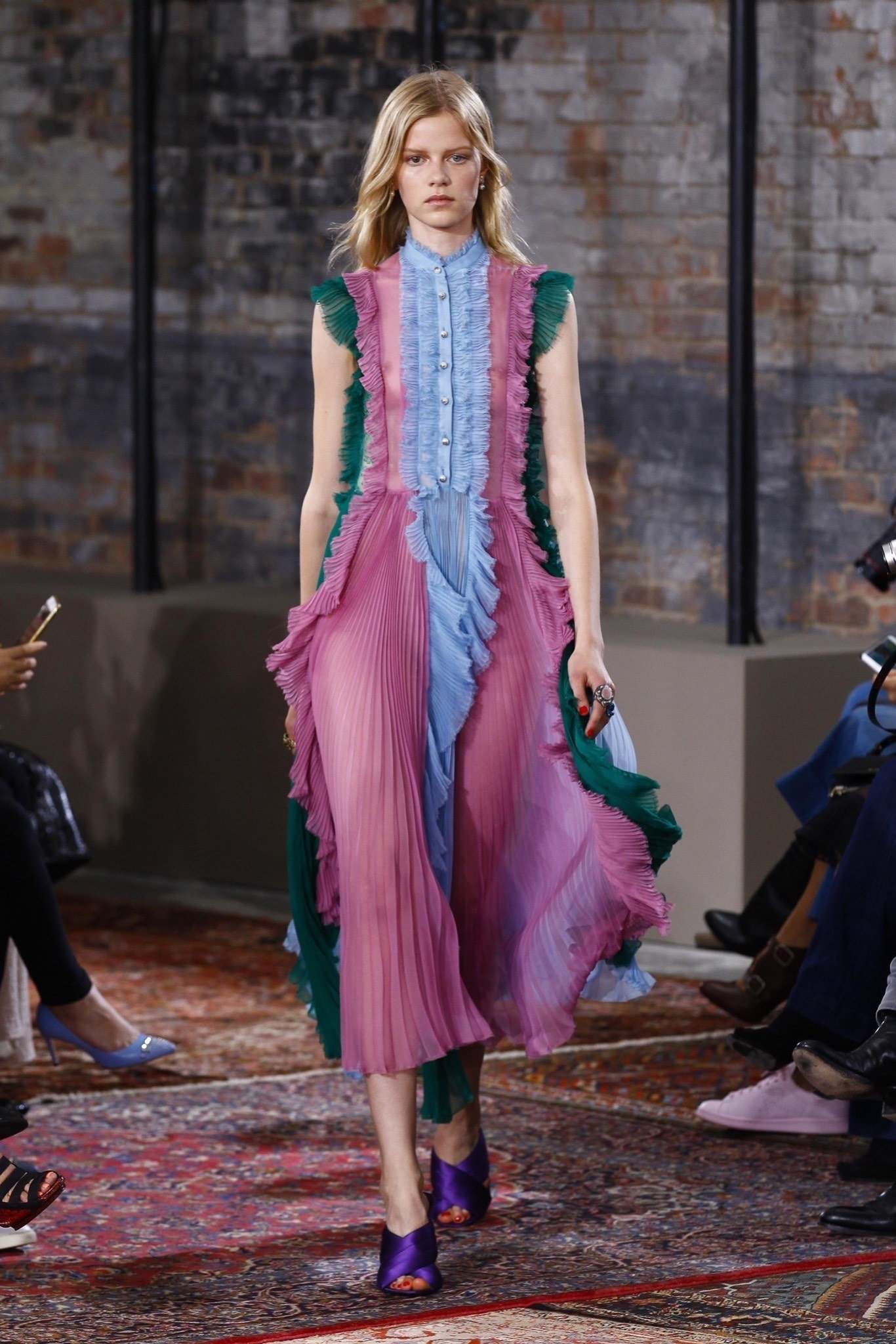 best-looks-of-the-gucci-cruise-collection-2016-13