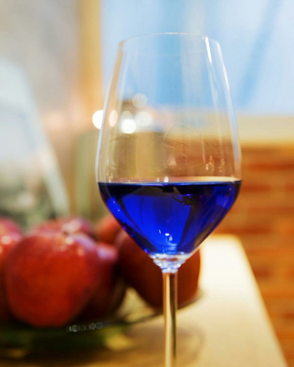 blue-wine-is-now-a-thing-so-put-down-the-chardonnay-02