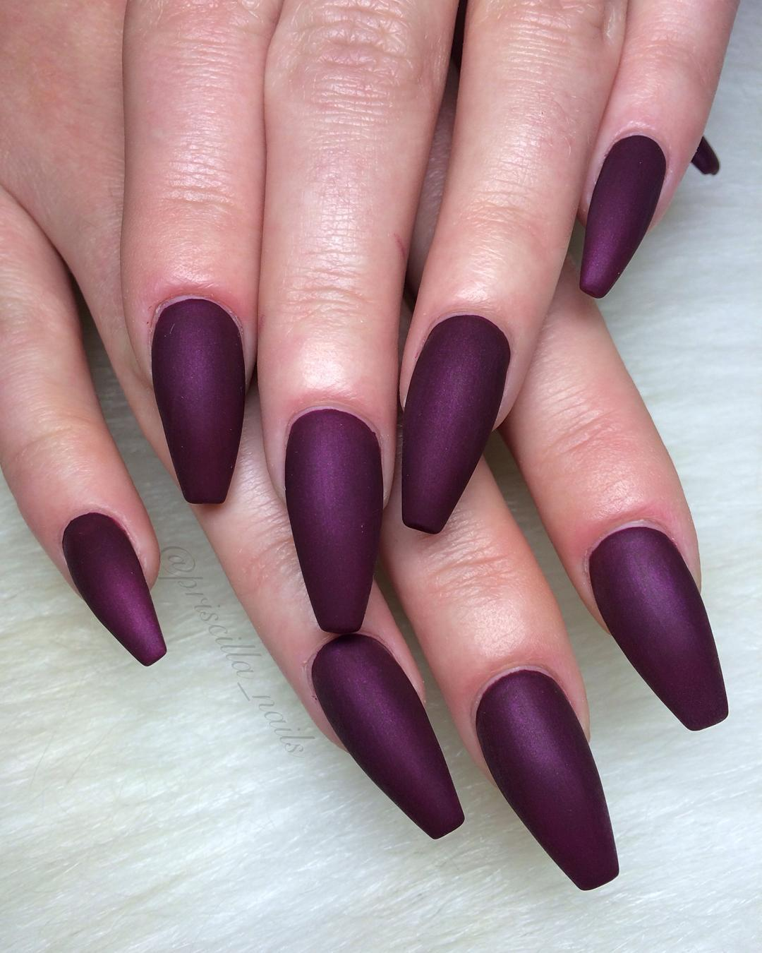 matte-manicures-youll-be-obsessed-with-01