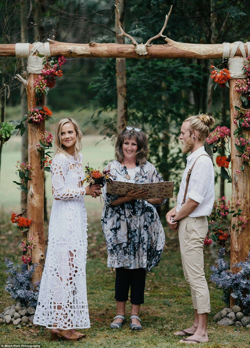this-couples-diy-organic-wedding-is-gorgeous-but-eye-roll-worthy-03