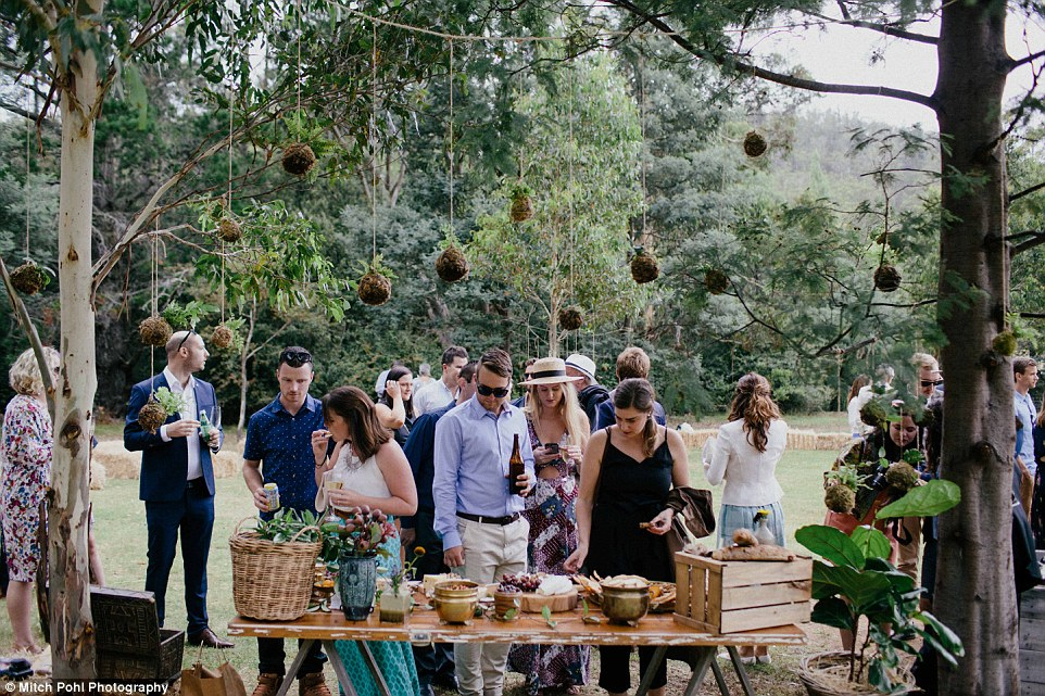 this-couples-diy-organic-wedding-is-gorgeous-but-eye-roll-worthy-06