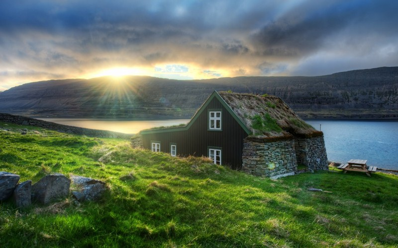 amazing-fairytale-grass-roofs-of-scandinavia-02