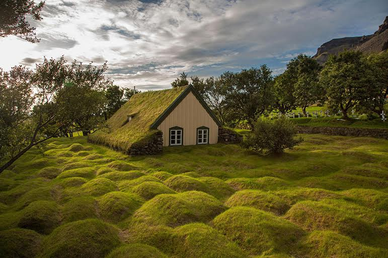 amazing-fairytale-grass-roofs-of-scandinavia-03