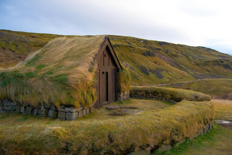 amazing-fairytale-grass-roofs-of-scandinavia-04