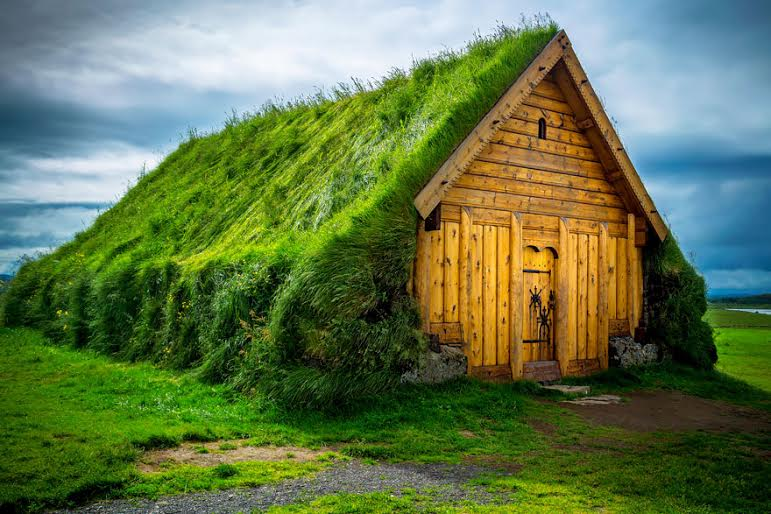 amazing-fairytale-grass-roofs-of-scandinavia-07