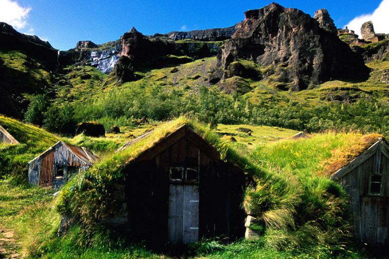 amazing-fairytale-grass-roofs-of-scandinavia-11