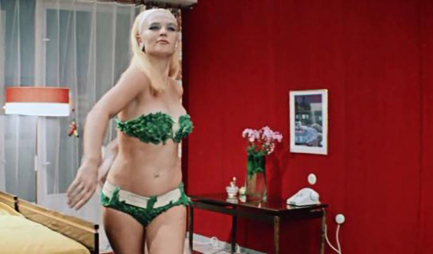 most-iconic-swimsuits-in-movie-history-08