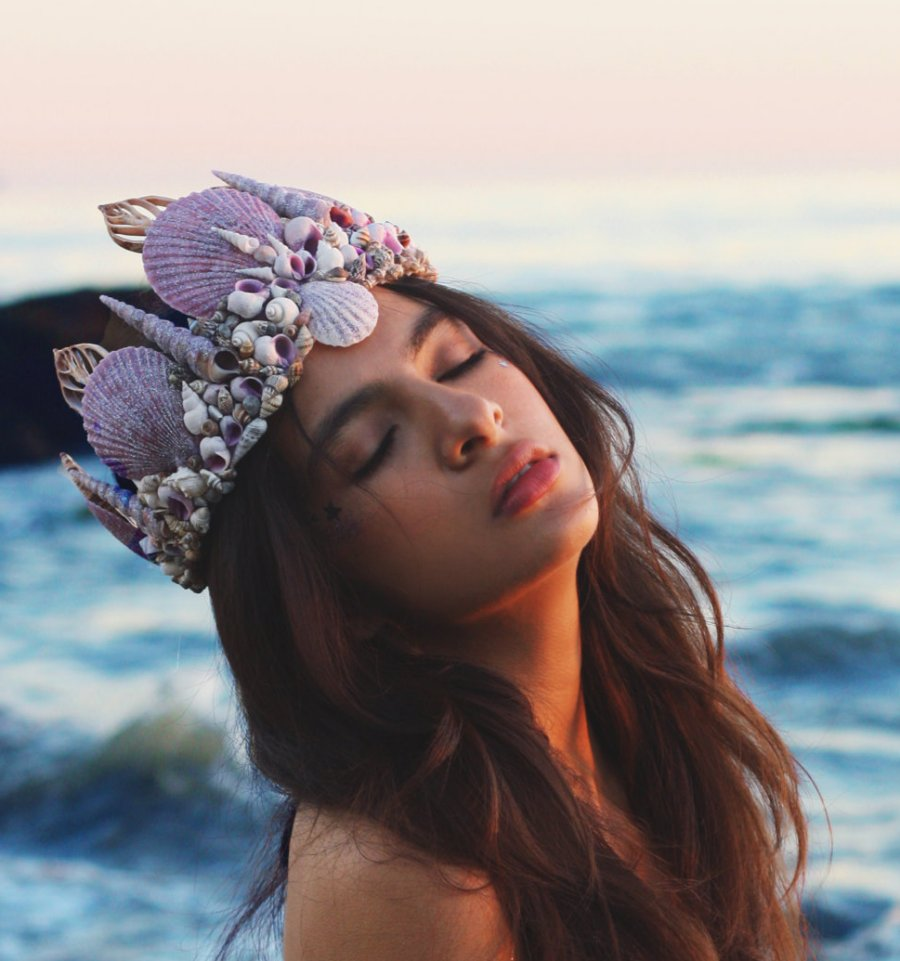 move-over-flower-crowns-mermaid-crowns-are-taking-over-10
