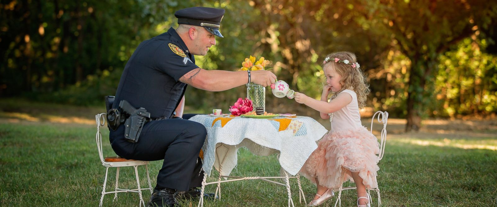 tea-party-for-the-policeman-who-saved-her-life-02