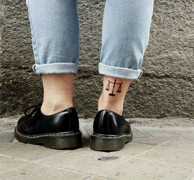 cute-astrological-tattoos-you-will-be-obsessed-with-04