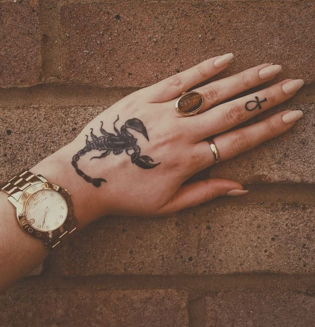 cute-astrological-tattoos-you-will-be-obsessed-with-07