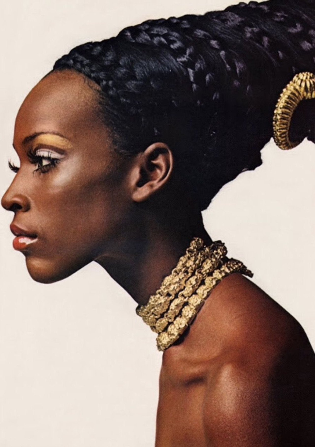 Iconic Black Models Who Changed The Fashion Industry 》 Her