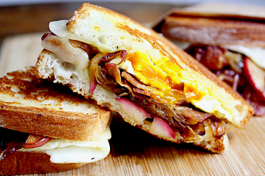 quick-and-easy-egg-breakfast-sandwich-recipes-01
