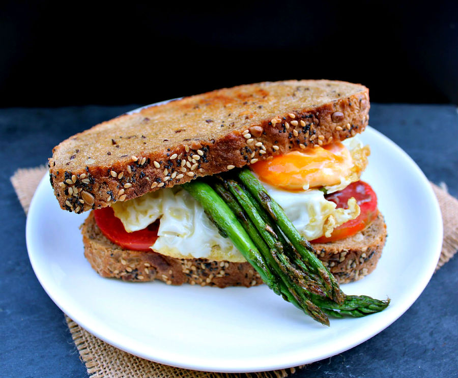 quick-and-easy-egg-breakfast-sandwich-recipes-02