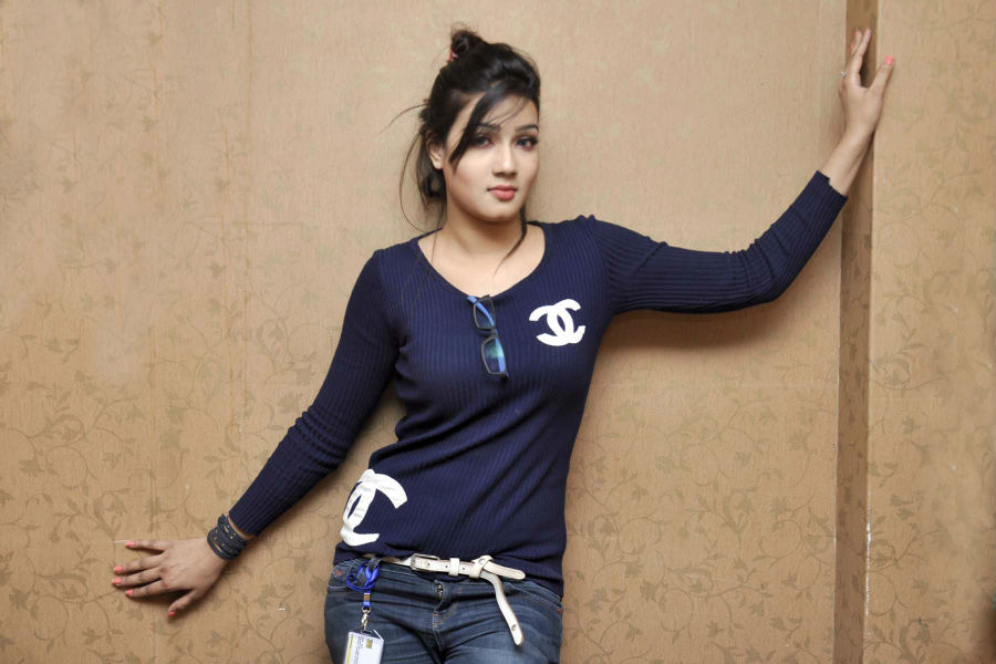 the-10-hottest-bangladeshi-women-09