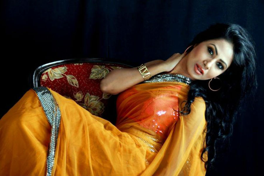 the-10-hottest-bangladeshi-women-10