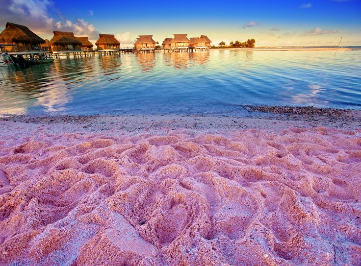 amazing_places_to_find_pink_sand_beaches_01