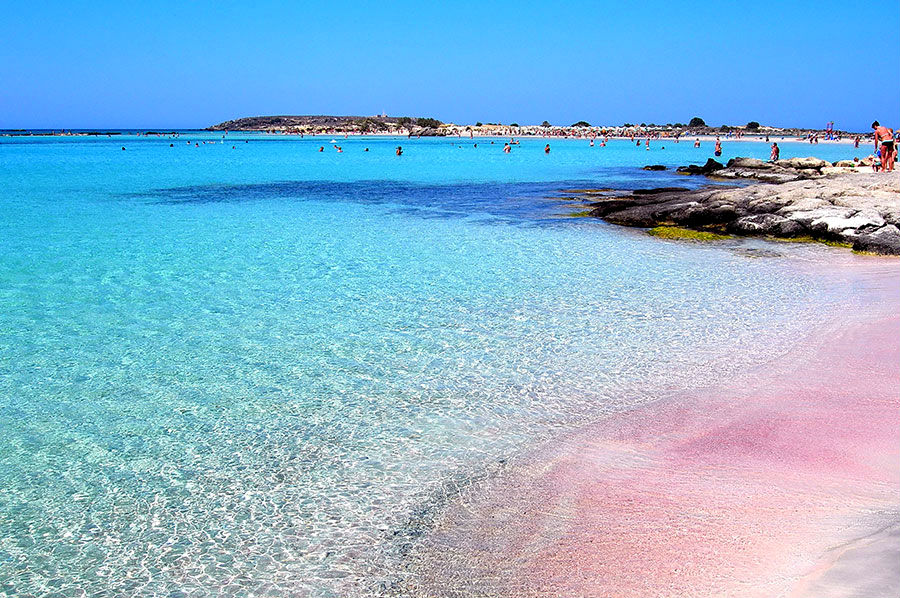 amazing_places_to_find_pink_sand_beaches_06