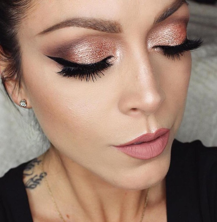 reasons-you-need-to-be-rocking-rose-gold-makeup-01