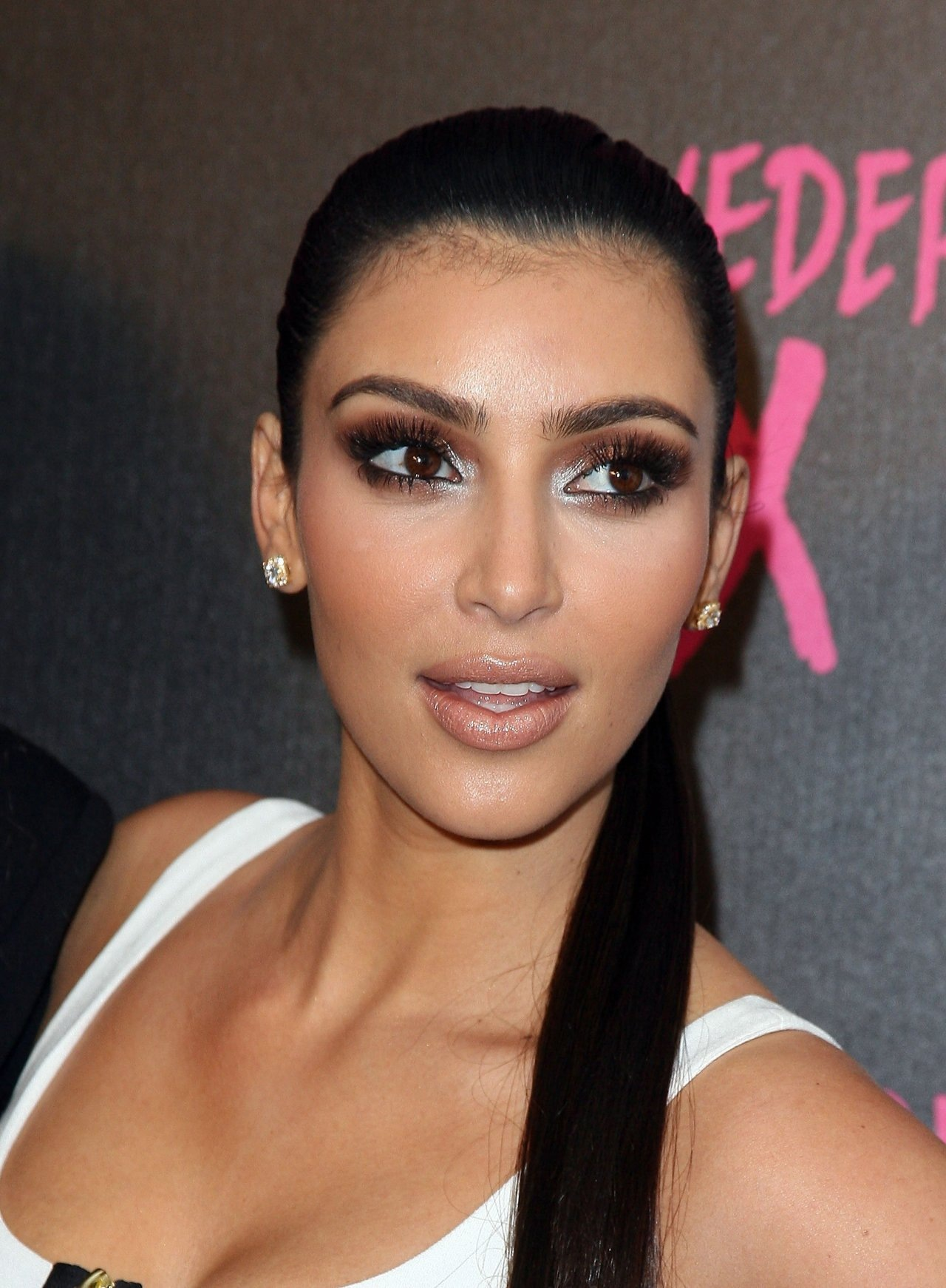 the-internet-needs-to-stop-victim-blaming-kim-kardashian-and-here-is-why-008