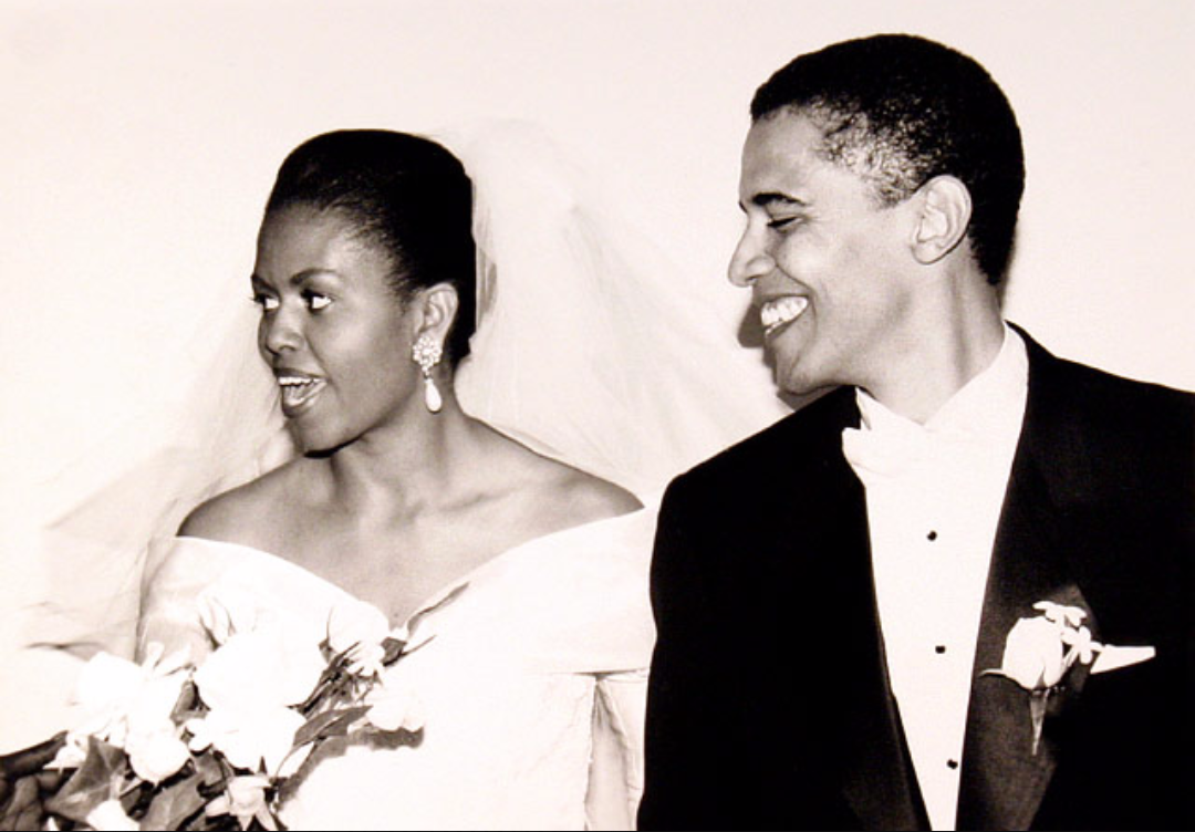 barack-and-michelle-obama-sweetest-moments-01