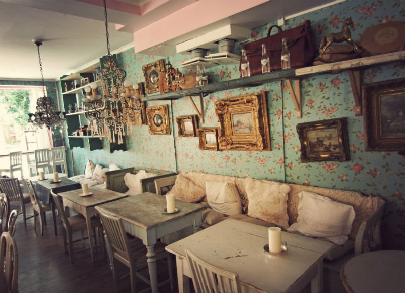 cutest-cafes-from-around-the-world-every-girl-should-visit-23