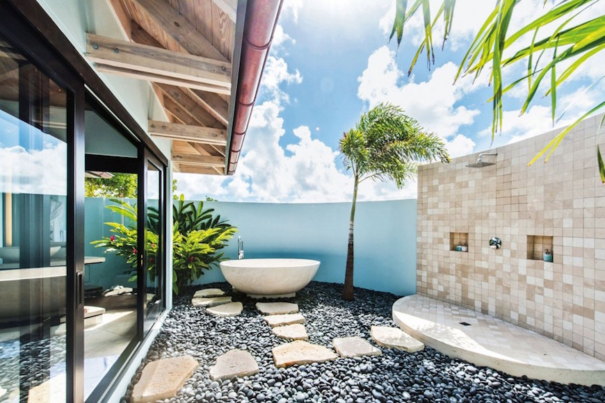 Eye-Catching-Tropical-Bathroom-Ideas-02