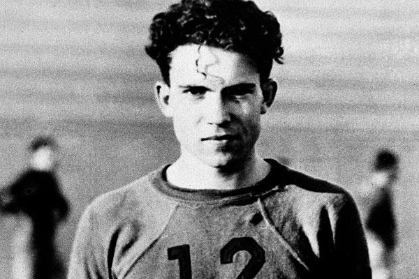 11-presidents-who-were-ridiculously-hot-when-they-were-young-21