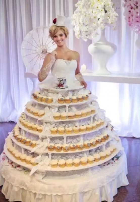 13_Of_The_Worst_Wedding_Dresses_You've_Ever_Seen_6