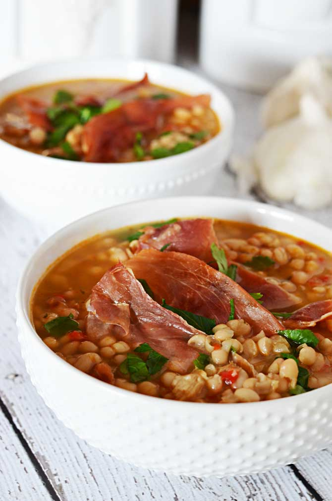 delicious-soup-and-stew-recipes-to-warm-you-up-01