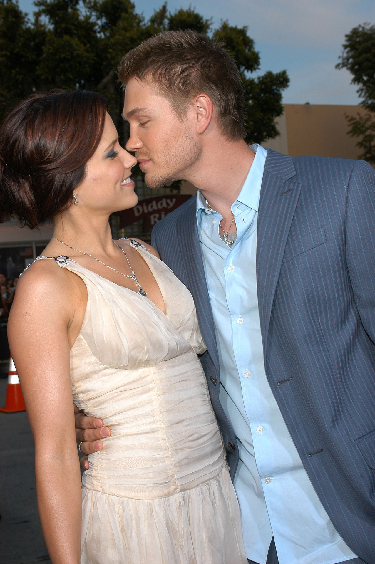 jaw-droppingly-short-celebrity-marriages-06
