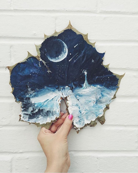 this-artist-is-painting-incredible-works-of-art-on-dried-leaves-07