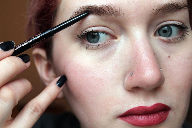 10_Tricks_That_Will_Make_Your_Makeup_Application_Easy_And_Flawless_5