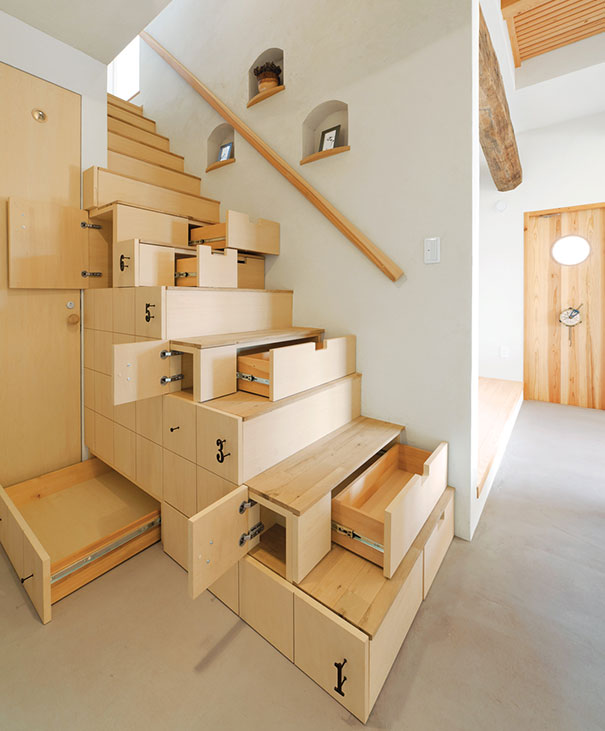 Modern_Stairs_That_Will_Make_You_Want_To_Remodel_Your_House_13