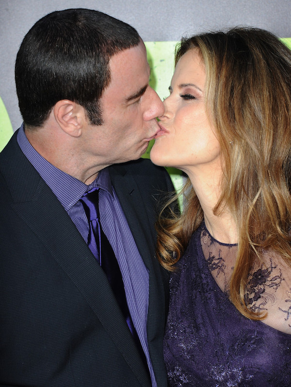 Most_Awkward_Celebrity_Kisses_3