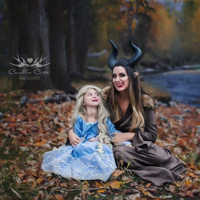 Adorable_Cosplay_Duo_7-Year-Old_Daughter_And_Mom_Dress_Up_As_Disney_Characters_11