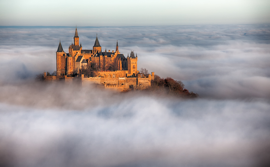 incredibly-cool-castles-around-the-world-03