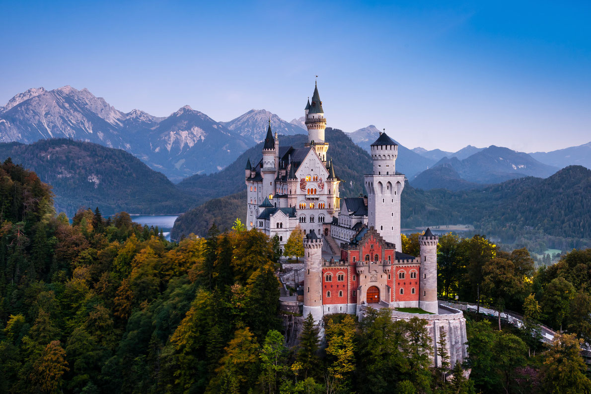 incredibly-cool-castles-around-the-world-09